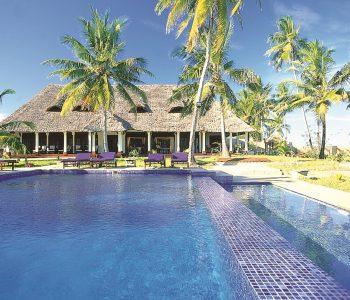 palms-pool2